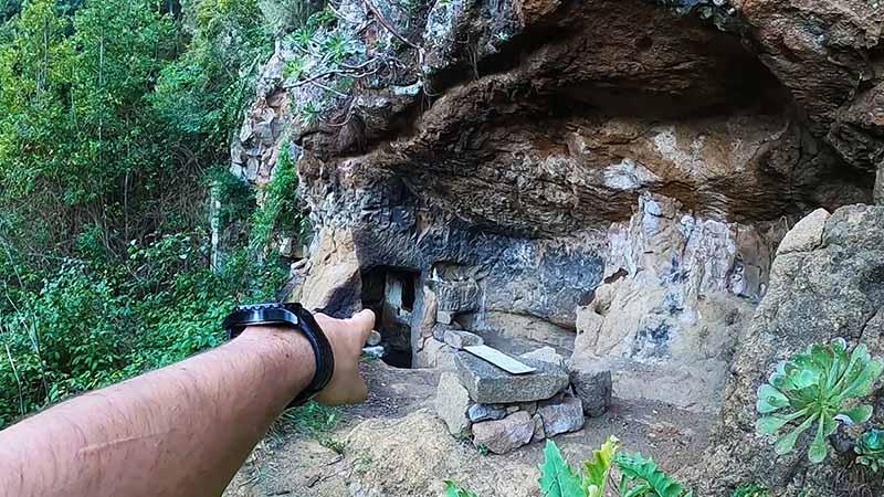 Chinamada - Sentiero Punta del Hidalgo - Cave