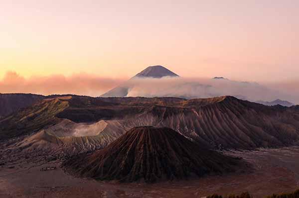 Indonesian ✩ IDR ✩ Jakarta ✩ 264 Million