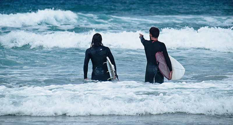 Teach how to surf in Australia and make money
