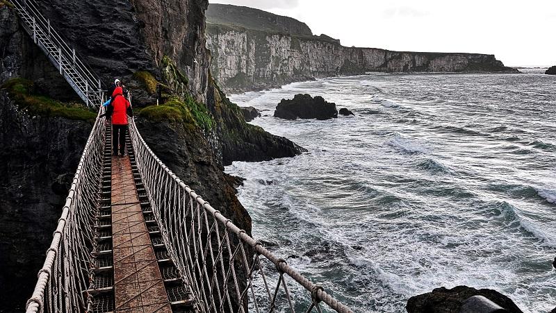 The Carrick – die berühmte Red-Rope-Bridge in Nordirland